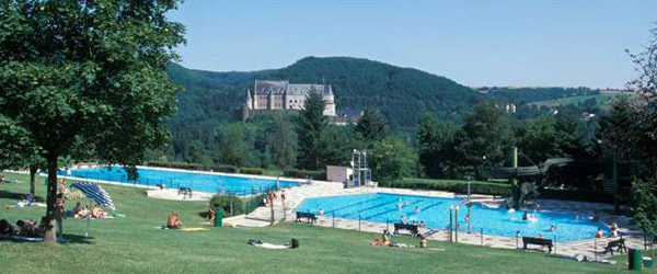 Top 8 des piscines ext rieures ou plein air au luxembourg for Piscine strassen