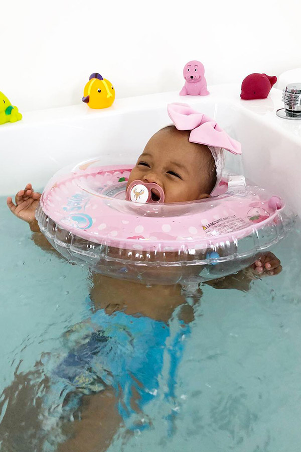 kideaz-article-little-dolphin-baby-spa