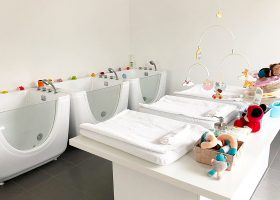 kideaz little dolphin baby spa 3