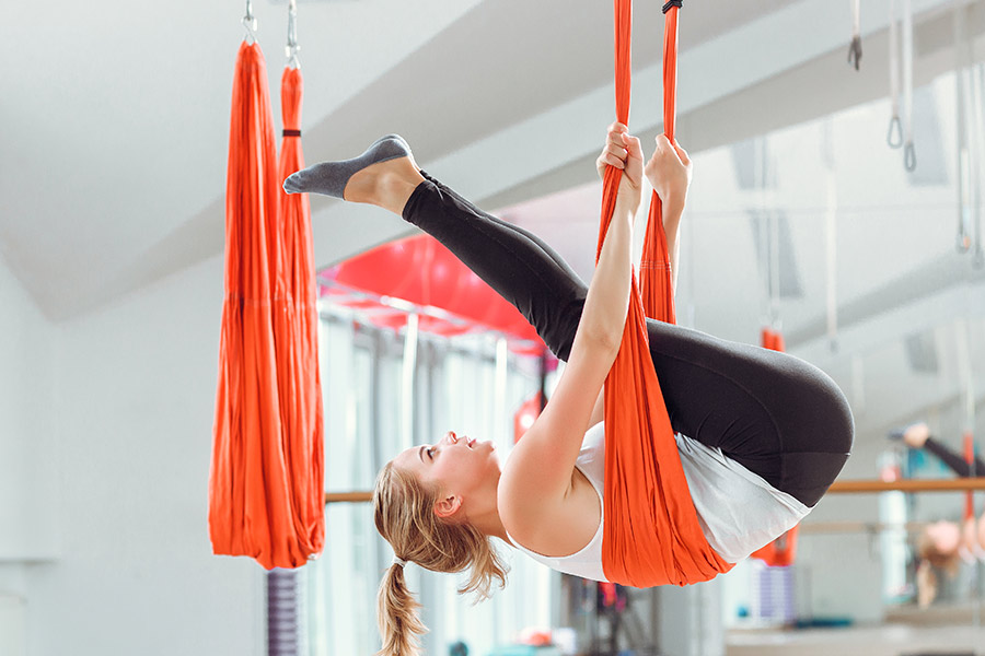 kideaz yoga aerien femme sport