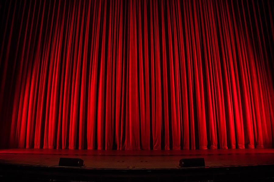kideaz-rideau-theatre-scene