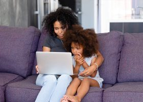 kideaz binge watching ecrans enfant parent 2