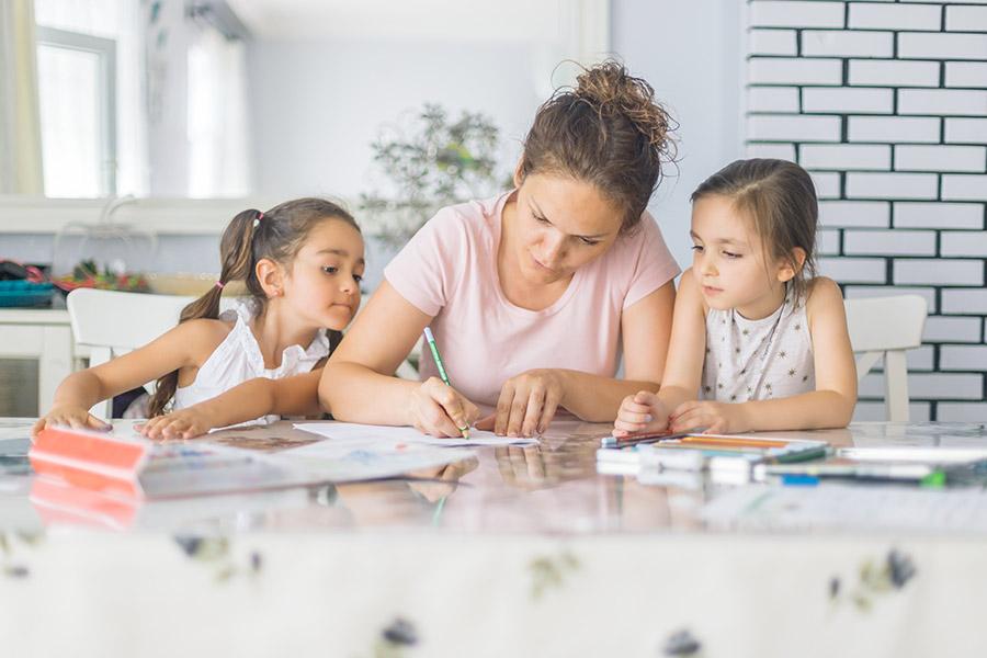 kideaz ecriture planning charte famille parent enfant ecrans