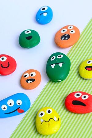 kideaz diy peinture enfants nature pierres galets