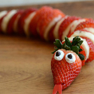 kideaz fun food serpent fraises banane