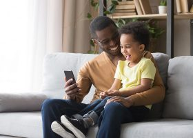 kideaz enfant parent smartphone telephone tiktok