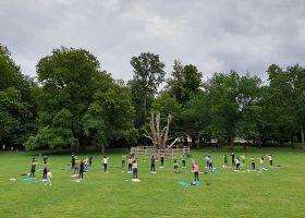 kideaz copyright Yoga Sessions by Sarah & John Sunday Morning Outdoor Yoga