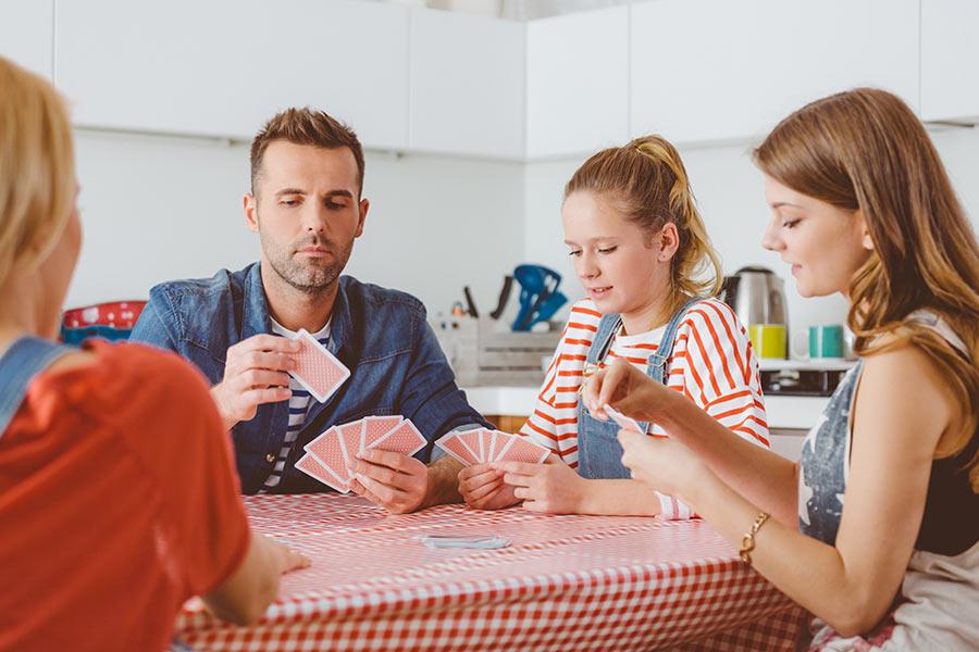 kideaz jeux cartes societe famille enfants parents