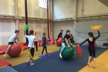 kideaz activite ecole de cirque zaltimbanq luxembourg une